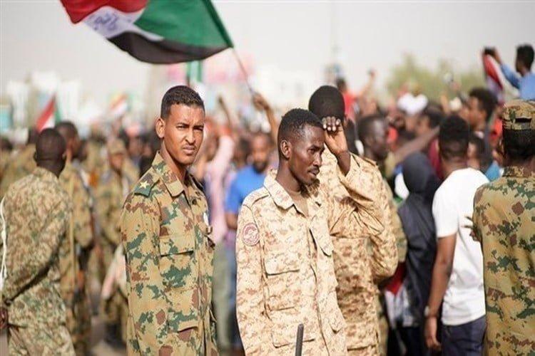 مقتل 6 من قوات الأمن في مواجهات مع متظاهرين في كافة أنحاء السودان
