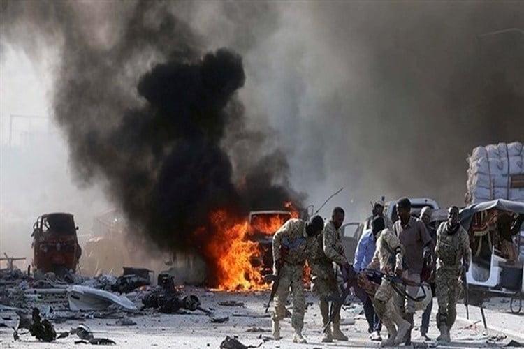 مقتل وإصابة 12 شخصاً في هجوم بسيارة مفخخة بالصومال