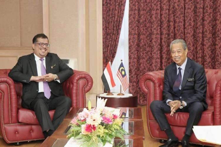 باحميد يبحث مع وزير الداخلية الماليزي أوضاع المقيمين اليمنيين