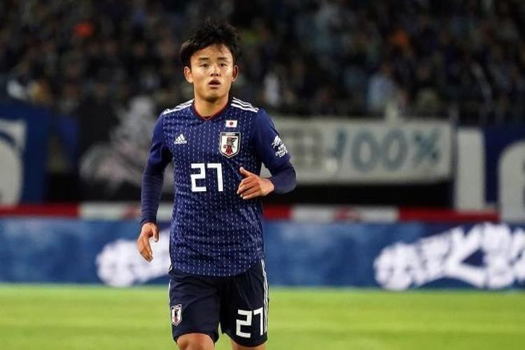رسمياً.. ريال مدريد يخطف ميسي اليابان من برشلونة