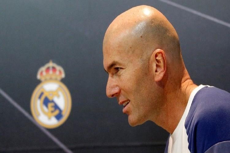 زيدان يعود لقيادة تدريبات ريال مدريد في كندا