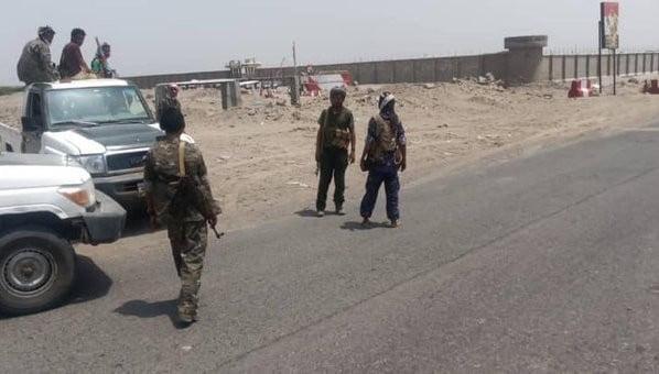 قوات المجلس الانتقالي تسيطر على معسكر الشرطة العسكرية في أبين