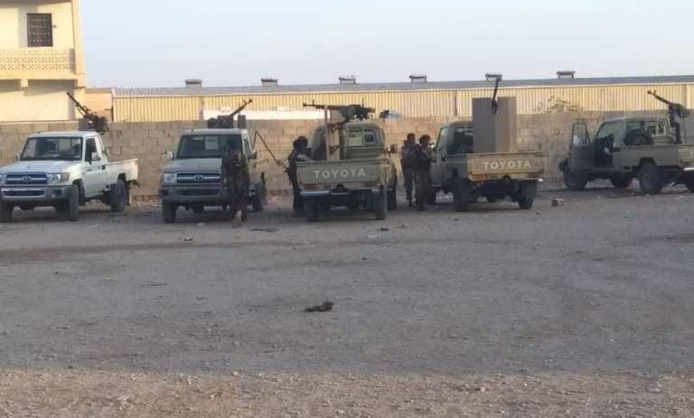 بالفيديو.. قوات الشرعية تستعيد معسكر عزان شبوة بعد سيطرة النخبة