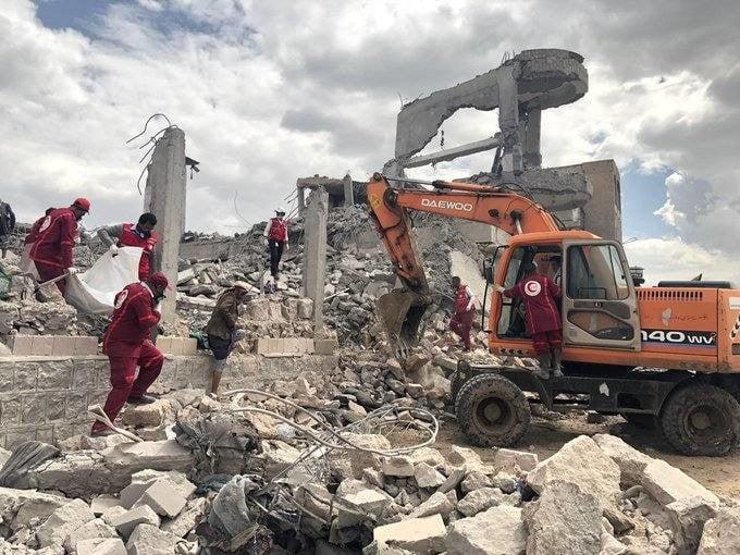 غارات التحالف تدمر مقر كلية المجتمع في ذمار