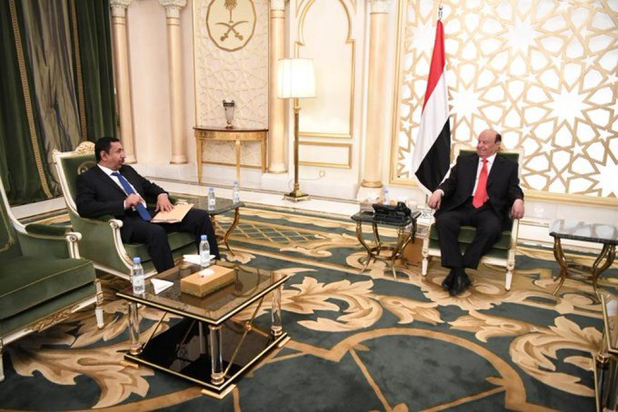 لقاء هادي مع محافظ شبوة محمد بن عديو