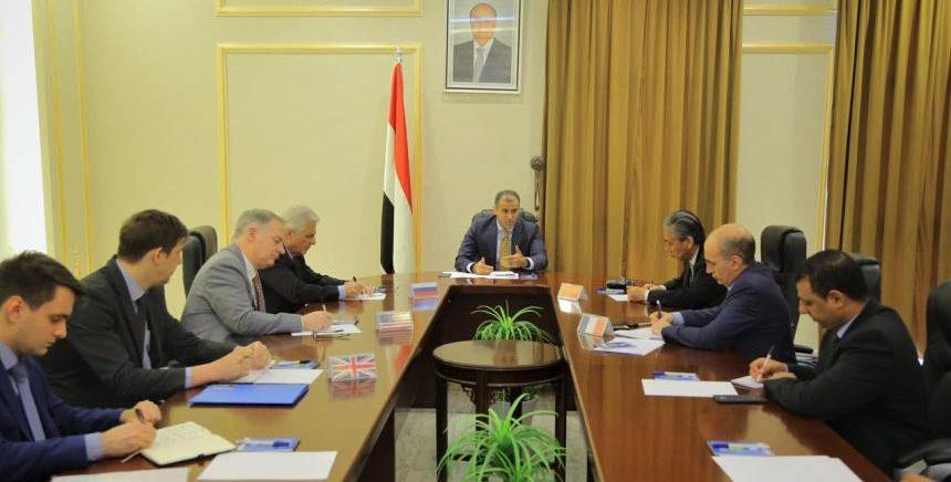 الحكومة لسفراء الخمس: تعديلات غريفيث منحازة للحوثيين ونواصل الانخراط بجهوده