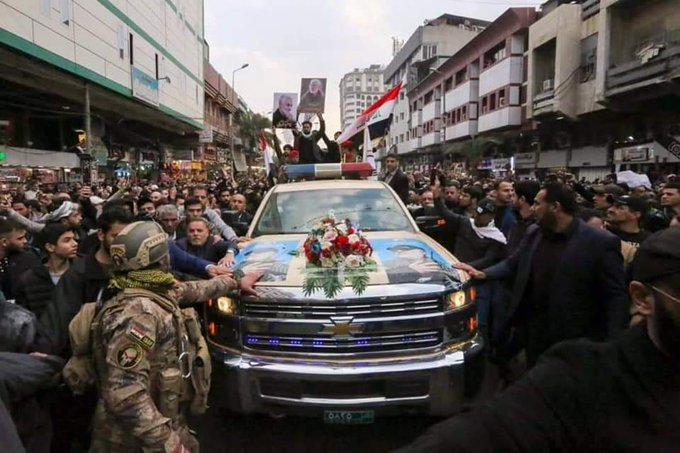 تشييع سليماني ورفاقه في بغداد بسيارة أمريكية