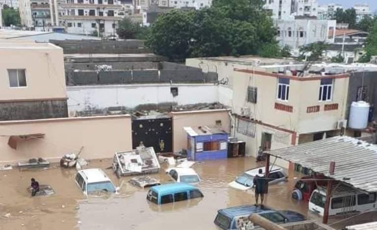ضحايا كارثة السيول التي ضربت عدن جنوبي اليمن