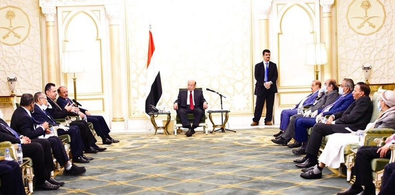 الرئيس هادي في اجتماع الرياض مع مستشاريه