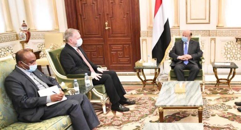 الرئيس هادي يستقبل سفير أمريكا في اليمن هنزل