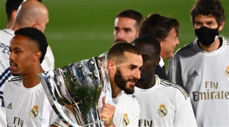 """كريم بنزيما أفضل لاعب بالدوري الإسباني في استفتاء """"ماركا"""""""