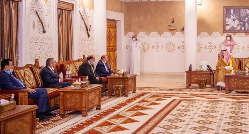لقاء رئيس البرلمان البركاني ومستشاري الرئيس هادي مع خالد بن سلما
