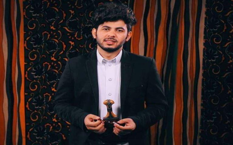 أيمن قصيلة في حوار: الجمهور اليمني يحترم الفنان أكثر عندما يعتز بهويته