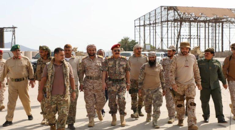 لجنة عسكرية سعودية تصل عدن وقادة الانتقالي في استقبالها