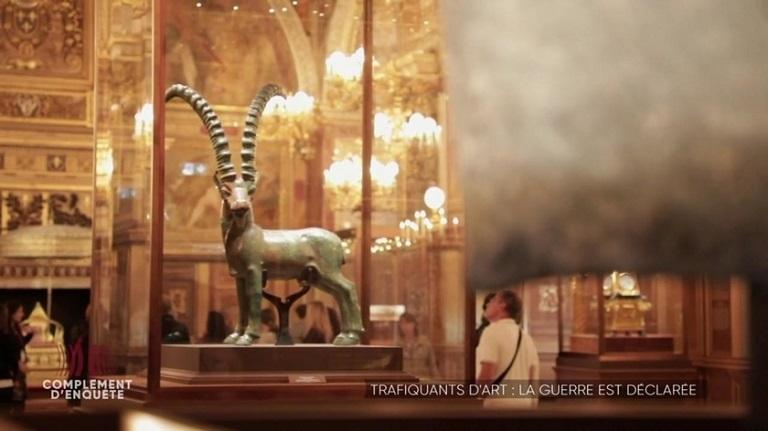 بالفيديو – اليمن يسعى لاستعادة تمثال أثري ظهر بحوزة أمير قطري
