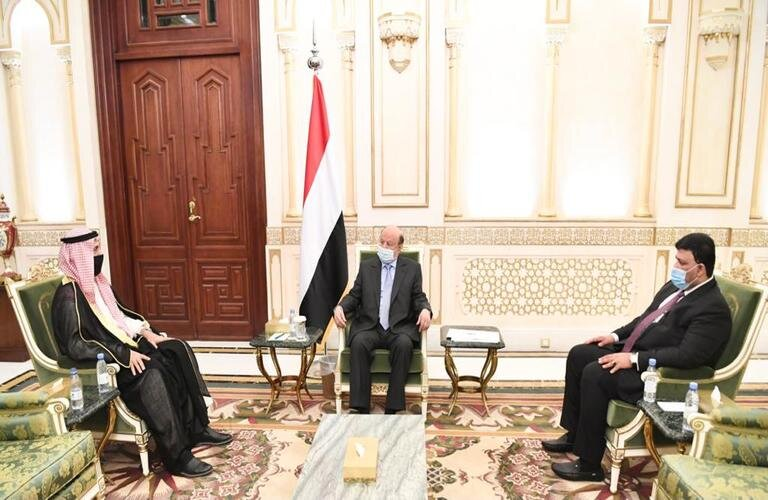 هادي يشيد بالعلاقات الأخوية مع الكويت
