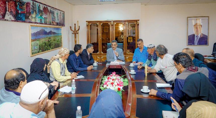 لملس يلتقي قيادة نقابة المعلمين الجنوبيين في عدن