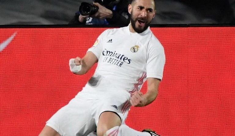 بنزيما يتوج بجائزة أفضل لاعب في الدوري الإسباني