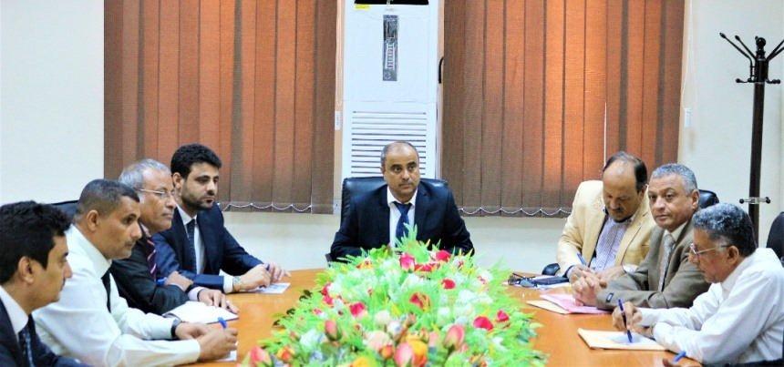 اجتماع برئاسة وزير المالية في الحكومة سالم بن بريك