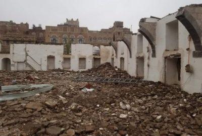 صور من هدم الحوثيين مسجد النهرين في صنعاء