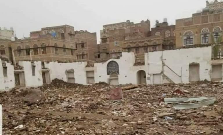 وثيقة وصور.. الكشف عن قيام الحوثيين بهدم مسجد النهرين في صنعاء