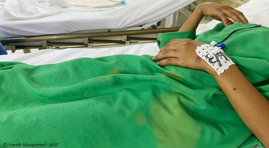 الحديدة: مقتل طفل وإصابة أمه وأخرين بقصف الحوثيين منزلهم في حيس