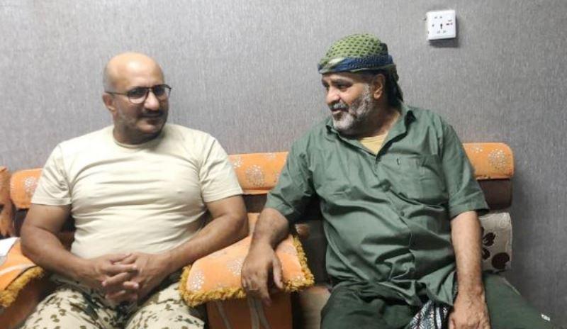 طارق صالح باستقبال العميد الورد: جهود وساطة بُذلت قبل عملية تحريره