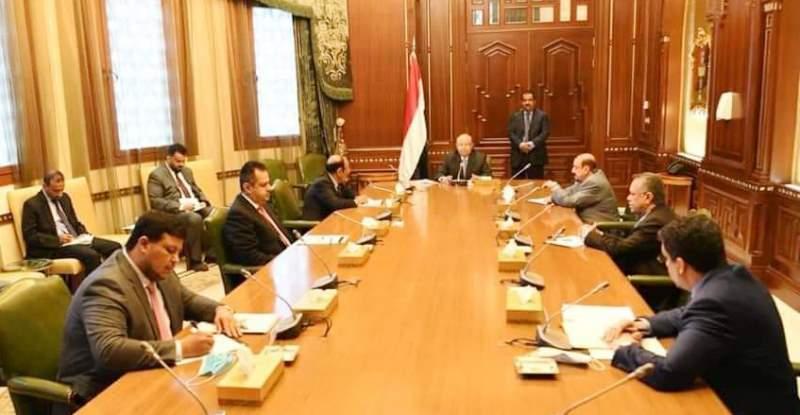 الرئيس هادي: نعمل لتجاوز التحديات الاقتصادية بالتعاون مع السعودية