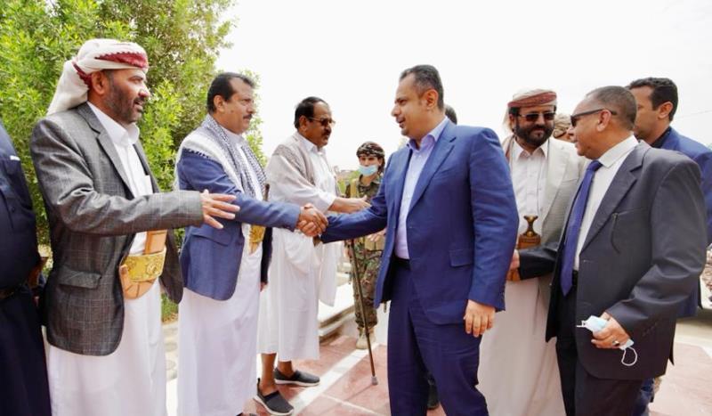 رئيس الحكومة معين عبدالملك في مأرب: تفقد الأوضاع العسكرية والأمنية
