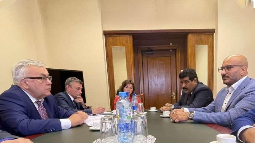 طارق صالح في روسيا على رأس وفد المكتب السياسي للمقاومة الوطنية