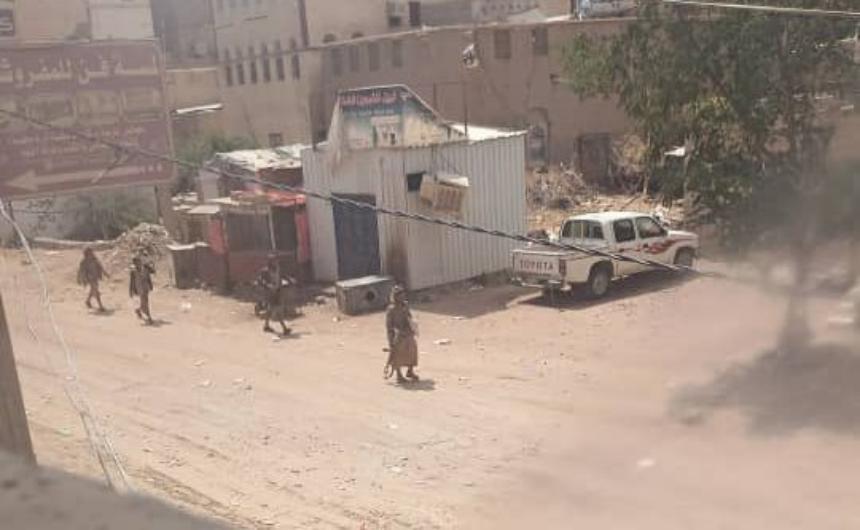 مأرب: الحوثيون يسيطرون بمركز حريب ويتكبدون خسائر في صرواح